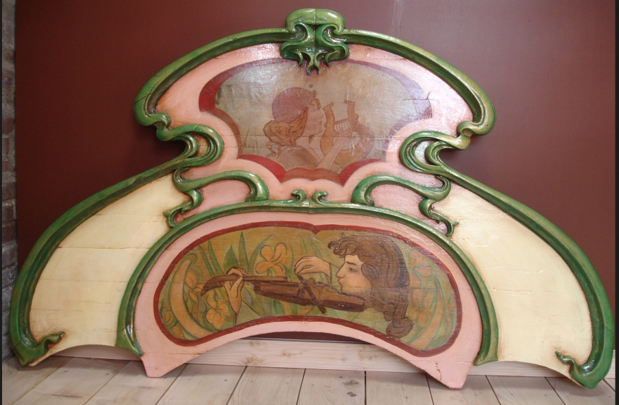 Read more about the article Fronton d'orgue 1900