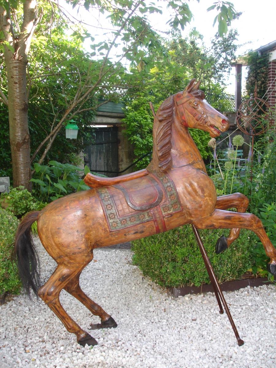 Read more about the article HEYN cheval de manège cabre No 21 Étalon