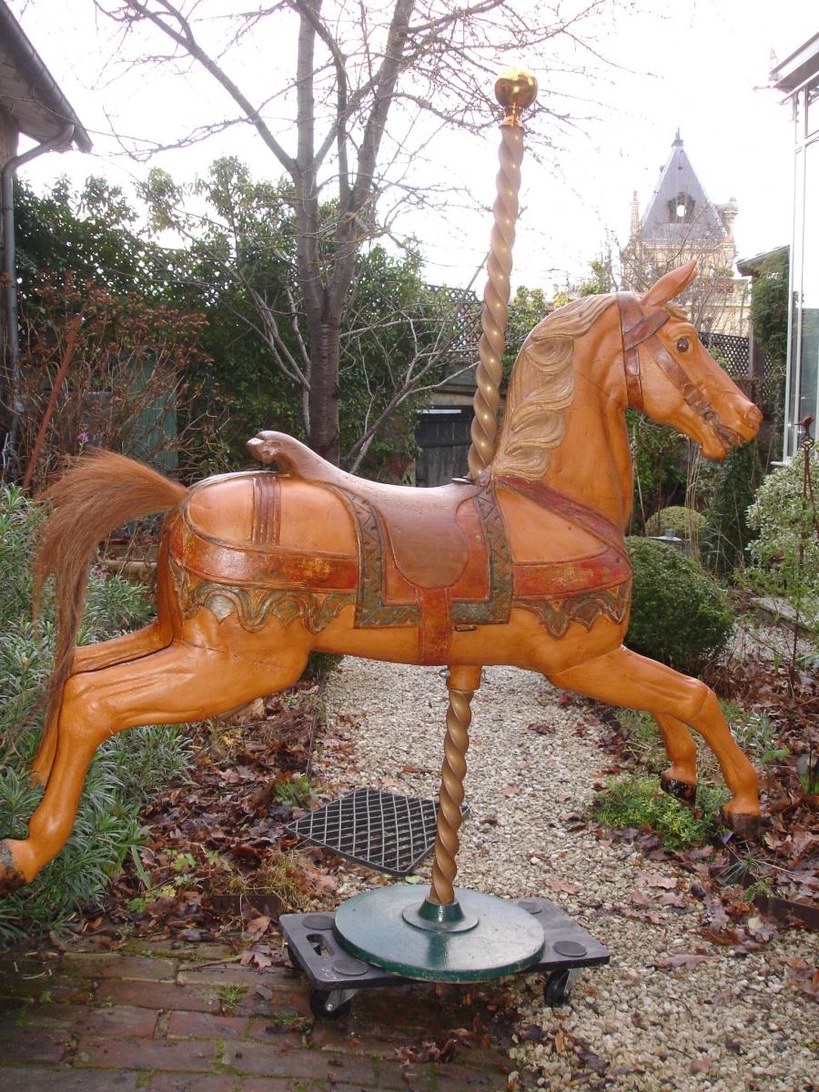 Read more about the article HEYN cheval de manege sauteur NO 25